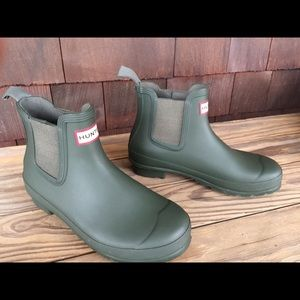 Hunter Chelsea Rain Boots Olive Green Size 7